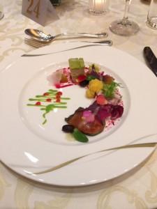 オードブルはフランス風に飾り盛り。